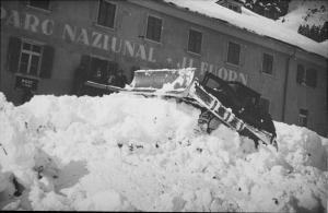 Il Fuorn, Lawine vor dem Hotel (22.1.1951)